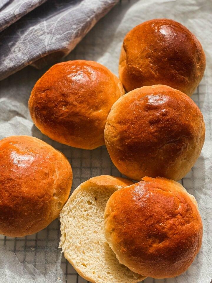 The best vegan dinner rolls